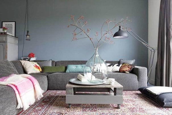 15x stoere grijze banken om bij weg te dromen fashionlab for Huiskamer opnieuw inrichten