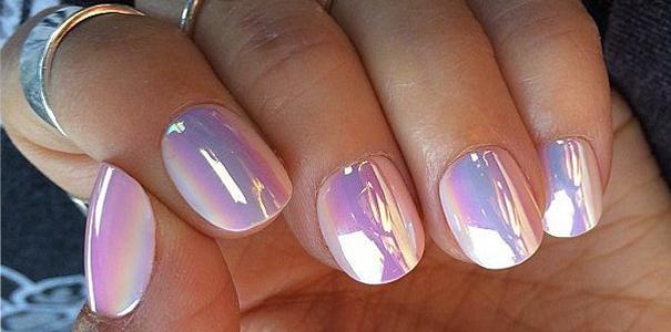 Nagellak Trend Holographic Nail Art | Fashionlab